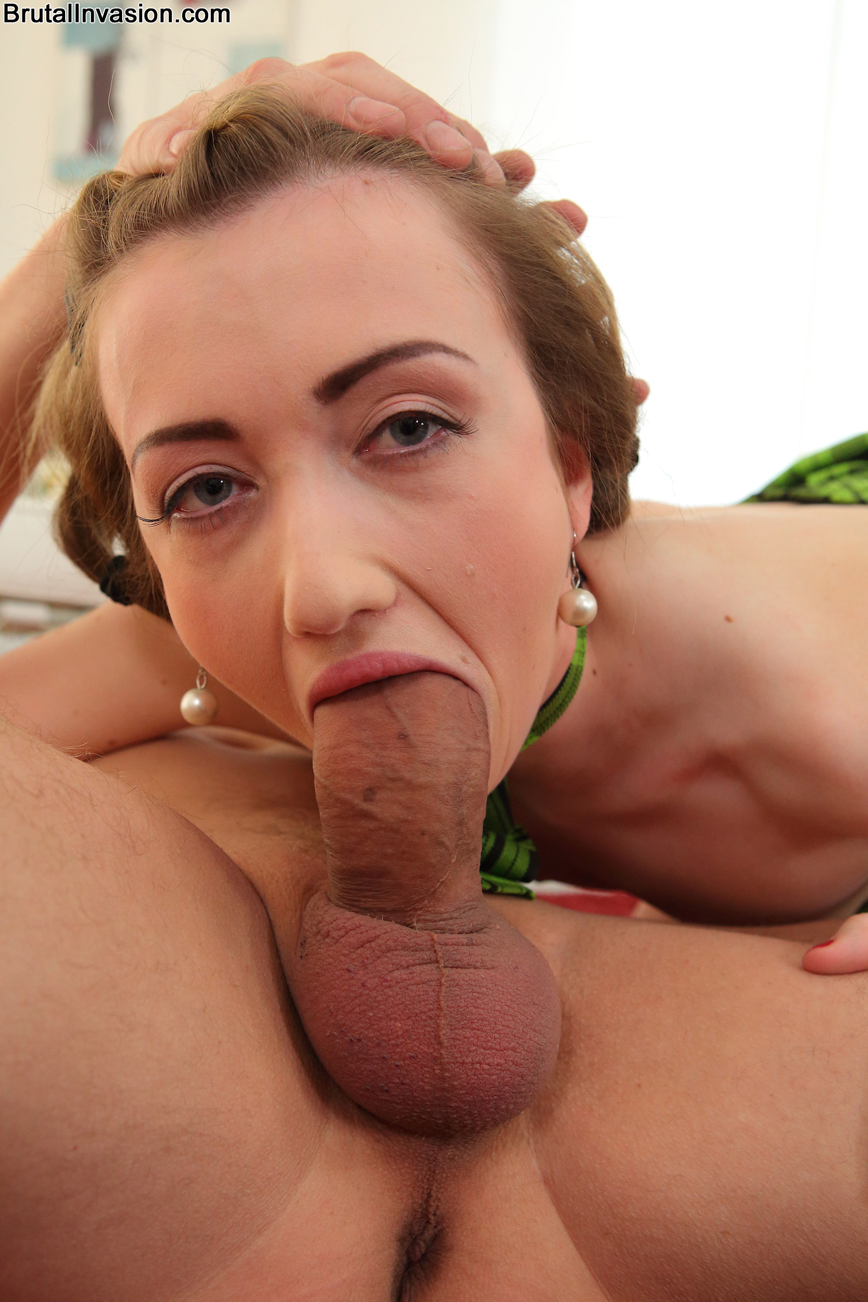 Cheeky throat pounding with tasty belle