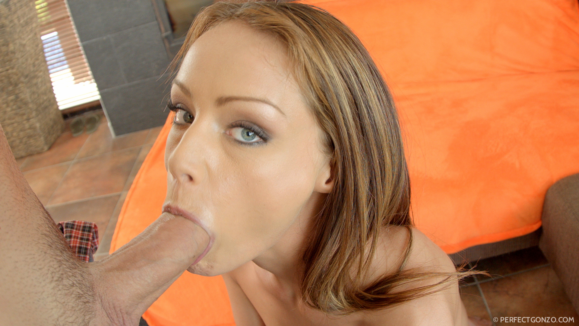 Zingy night butterfly with soft udders takes a wonderful slurpy throat job