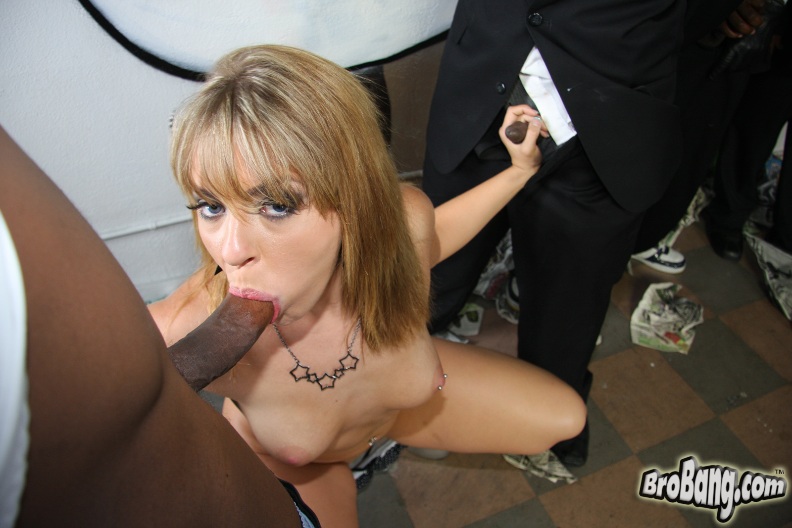 Absolutely dick kissing off from hot prostitute with desired lips
