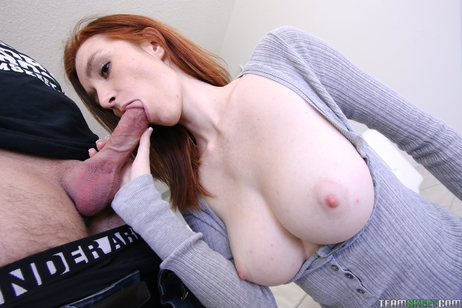 Marvellous female with mellow feets takes a cocky throat job